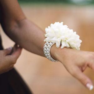 153409.floral_wrist_corsages.jpg